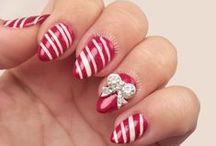 Christmas Nails / So many gorgeous Christmas nail designs!
