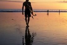 Surfen in Bali / Een prachtig overzicht van alle surf foto's die in Bali genomen zijn. Meer info op http://www.infobali.nl/activiteiten/surfen/