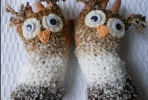 mittens / knitted and crocheted