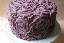 Cakes to admire