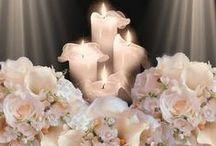 Wedding candles / Семейный очаг всегда был символом тепла, уюта и благополучия. У свадебного очага особая роль: зажигая свечу молодоженов, родители передают новой семье не только тепло родительского дома, его традиции, но и свет, который поможет найти дорогу в трудную минуту. А значит свечи для такого обряда должны быть особенными.