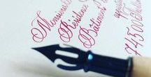 From Paris with Love / Atelier parisien spécialisé dans l'art de la belle écriture apportera une touche particulière à votre événement et charmera vos invités ou clients par l'originalité et la délicatesse des courbes qui révéleront le prestige de vos moments inoubliables. Nous vous proposons un ensemble complet de services s'adaptant à vos besoins, en toute occasion.