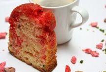 It's a piece of cake / Des gâteaux, de toutes les formes et de toutes les couleurs.