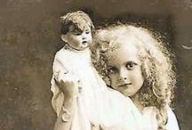 Dolls / Muñecas / Paper dolls, dolls and photos / by Adriana Kon