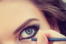 Makijaż i fryzury i paznokcie / Makijaż
