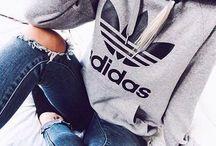 <Clothes>