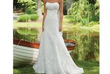 Wedding Dresses / by Sarah Gwin Ryglicki