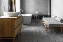 ﹋﹌ Bathroom ﹌﹋ / Salle d'eau