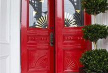 Bienvenue ! Welcome ! Je suis enchanté. / Front porch