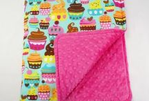 Little Sophie blankets / Soft reversible blanket for youngsters! Product is made from materials of the best quality. Perfect for baby carriage, walks and trips. A great idea for a gift, birthday or christening party. Sensuous!  On the one side soft cotton, on the other Minky polyester with distinct colours. Blankets are antialergiclly stuffed. Suitable for all kinds of weather. Could be used as a small quilt.