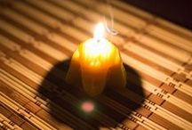 Making Beeswax Candles / How to make natural beeswax candles using silicone molds. Step-by-step illustrated guide.