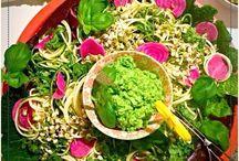 Spiralizer / Zucchini sallad & green hummus!