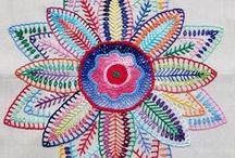desenhos e flores / Painel contendo desenhos, pinturas, desenhos de flores, fotos interessantes.