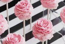 Wedding Cake Pops / The new wedding trend!