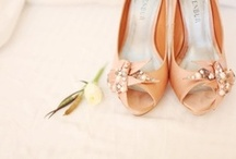 A TOUCH OF PEACH /  peach wedding inspiration, details & tablescapes