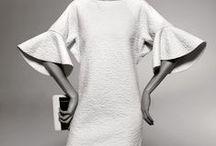 Sleeves - Hihoja / Kuvia vaatteenvalmistusprosessin mallin luonnostelukertaa varten.