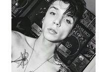 Paint it Black / Just black&white pics of Andy Biersack