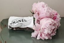 Love Flowers / #roses #pink #flowers #classic #roses #vintage #red / by Christina Lau