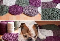 Crochet Rugs / Crocheted Rug Patterns and Inspiration