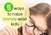 Cash & Kids / Creative tips for teaching your kiddos about money, saving and spending!