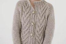 Ladies knits/Jewellery