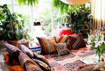 Living / i love clean, bright, airy rooms. i also love everything wooden and colorful bohemian prints and patterns. my dream apartment? clean, white spacious bedroom, bohemian, colorful, natural living room and a country style kitchen ;)