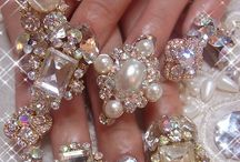Rhinestone Glamazon Glitter Nails / Rhinestone, gemstone, sparkle, shiny nail art and designs glitter