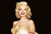 Marilyn / by Sara Villela