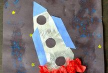 Space, Planets, Aliens, and Robots Preschool and Kindergarten Crafts and Activities / Space, planets, aliens, robots, spaceships, and astronaut crafts, activities, folder games, printables, books, and bulletin boards more ideas for preschool and kindergarten