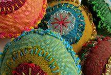 Bijoux textiles / by Véronïk Beaucé