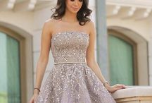 Ballgowns and Runways / Cocktail dresses, evening gowns, and more!