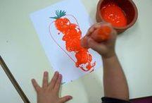 Sensory play for the colour orange / Sensory play & ideas for teaching the colour orange to babies and toddlers
