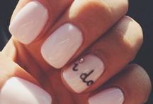 Nails / A way to finish your look on your wedding day! DIY nail ideas, white nails, sparkle nails, French manicures, patterned nails. #wedding #nails #beauty