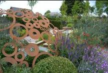 Garden inspiration / For contemporary and informal.