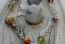 Necklace / Fashion jewelry