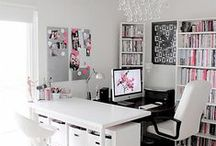 Home Office / A board filled with pictures for the perfect home office that fits to your style! Use this board as inspiration for your home. (This board is not done by The Mark Consulting, repin with us!)
