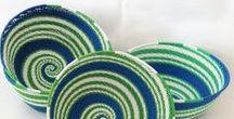Paniers zoulou en fil de téléphone tissés à la main / Paniers en fil de téléphone décoratifs et fonctionnels. Ils peuvent être utilisés pour vos clés, les bijoux, les collations etc...  Très beau également comme un ornement sur votre mur !