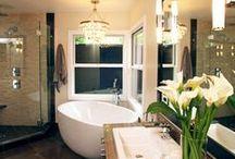 BATHROOM LIGHTING / Scrub a dub dub! Who doesn't want a sleek white bathroom in their home?