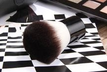 Makeup Brushes / Ovonni makeup brushes, makeup brush tools kit, with high quality, portable, fashionable and useful.