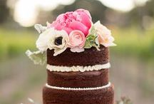 Cakes that look delish & pretty!