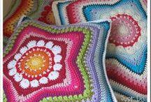 Háčkováné deky a polštářky (Crochet Blankets and Pillows) / by Lenka Nováková