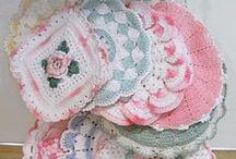 Háčkované chňapky (Crochet Potholders)