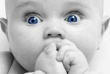 """Carinho a cada passo / Quem não faz uma carinha de """"ownnnn"""" quando vê um bebezinho? É tanta fofura que não cabe dentro da gente! Por isso, esse painel será dedicado aos seres mais lindos e amados do mundo: os bebês, a quem dedicamos todo o nosso carinho."""