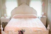 Bedroom * Quartos / by Bruna Souza