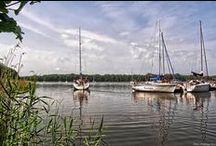 wind & water / Sailing at lakes and at sea.