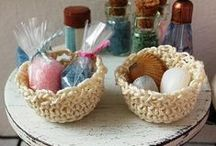 Dollhouse miniature baskets by Dewdropminis / Dollhouse miniature baskets by Dewdropminis