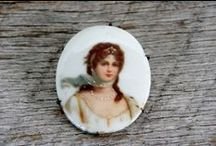 ♥antique porcelain brooch♥ / WELCOME