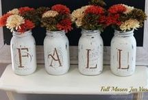 Fall & Thanksgiving Decorations / As the nights get cooler and the days shorter, we can hardly wait for the leaves to change and the smell of Pumpkin to fill the air.  Get read for Fall with these autumn worth decorations and Thanksgiving ideas.