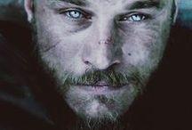 Ragnar Lothbrok/Travis Fimmel