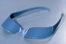Le concours 1998 / Thème : Solaires Attitudes Les lunettes solaires nous protègent, nous habillent, nous cachent, nous maquillent …   Président du jury :  Jean-Pierre Vitrac – Designer, France